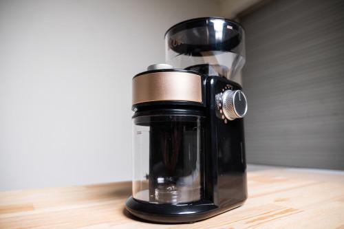 入門咖啡磨豆機-IKUK平刀電動磨豆機 開箱