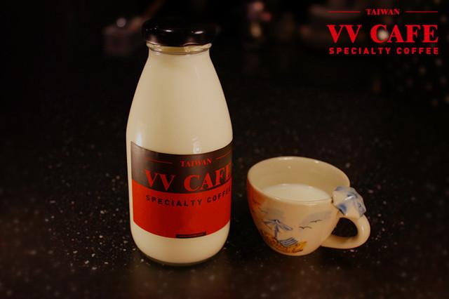 蜂蜜蘭姆牛奶