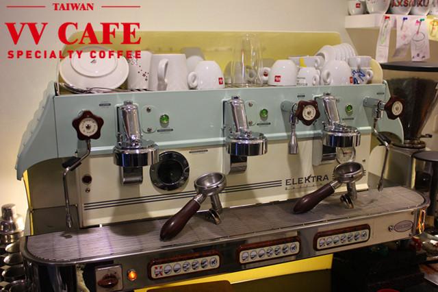 敦化國中操場後面那家illy咖啡館-ESPRESSO機